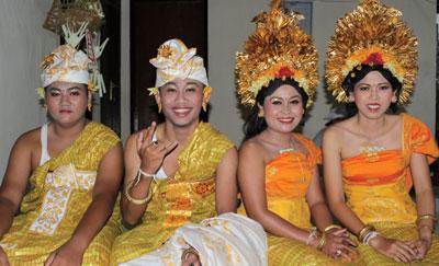 Danses traditionnelles et cérémonie à Bali
