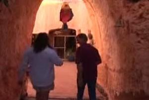 Une visite guidée de la ville de Coober Pedy en vidéo