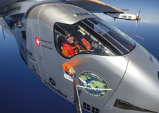 L'avion Solar Impulse 2 traverse l'Atlantique!