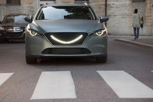 La voiture qui sourit aux piétons