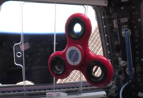 Un spinner dans l'espace, ça fait quoi ?