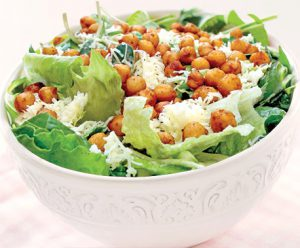 Salade César aux pois chiches rôtis