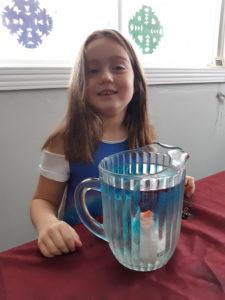 Amy Raymond, 6 ans