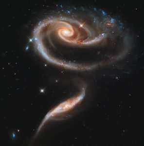 Groupe de galaxies appelé Arp 273.