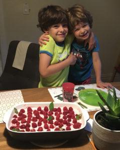 Thomas et Yann, 8 et 4 ans