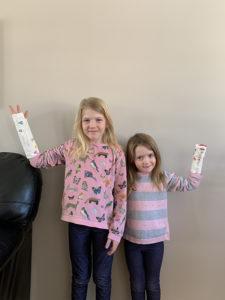 Annabelle et Léa-Maude Carrier, 5 et 8 ans